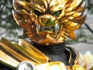 『牙狼<GARO>~蒼哭ノ魔竜~』黄金騎士ガロ